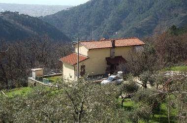 HOUSE NEAR THE SEA  in WEEKLY RENTAL a SERAVEZZA